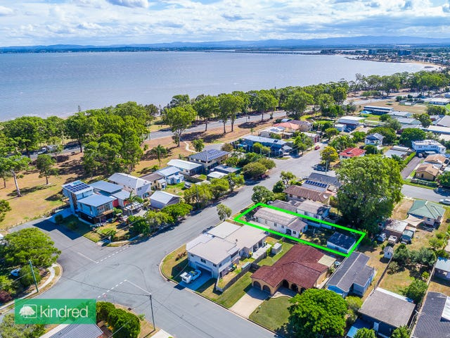 17 View Street, Woody Point, Qld 4019