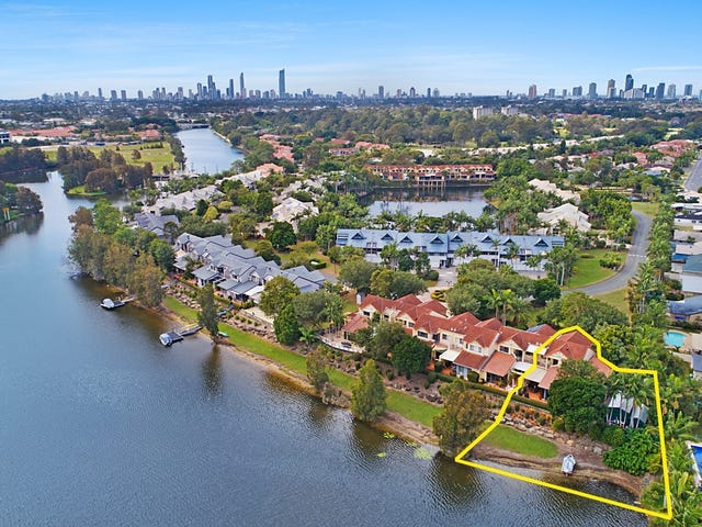 1/125 Santa Cruz Boulevard, Clear Island Waters, Qld 4226