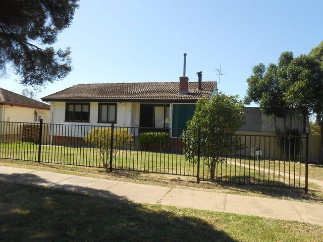 14 Tichborne Crescent, Kooringal, NSW 2650