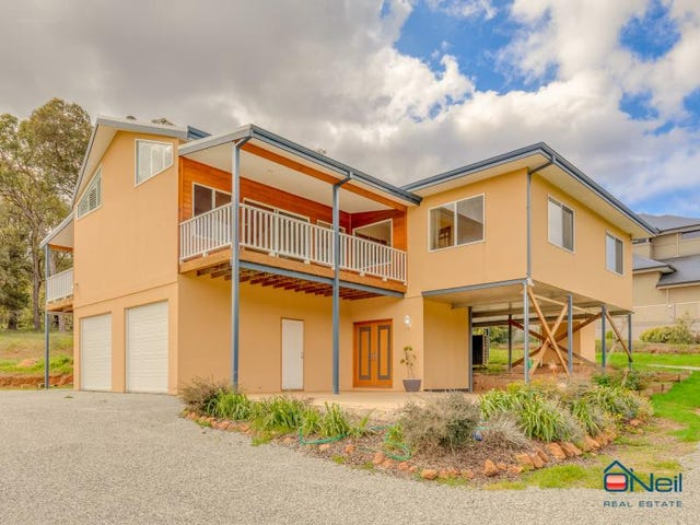 16 Vincent Lookout, Bedfordale, WA 6112