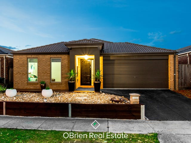 88 Mountainview Boulevard, Cranbourne North, Vic 3977