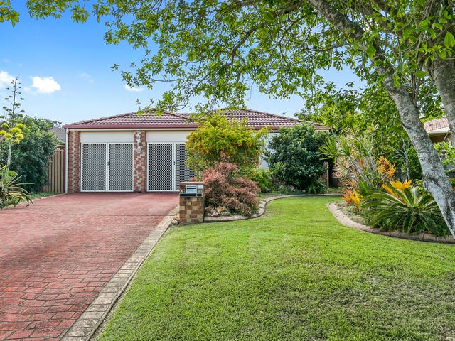 6 Jonwest Close, Torquay, Qld 4655