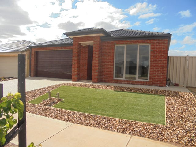 4 Toolern Waters Drive, Melton South, Vic 3338