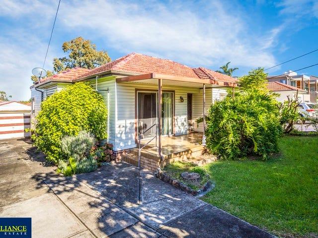 33 Donald Street, Picnic Point, NSW 2213