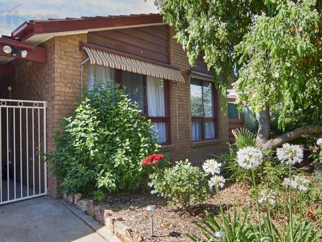 6 Telopea Cres, Lake Albert, NSW 2650