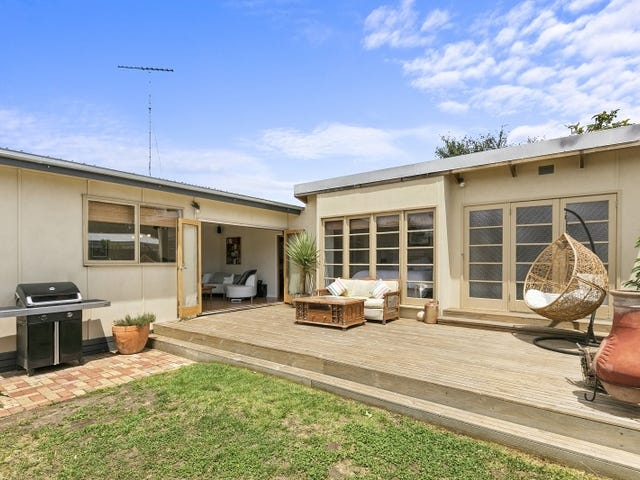2/39 Beach Rd, Torquay, Vic 3228