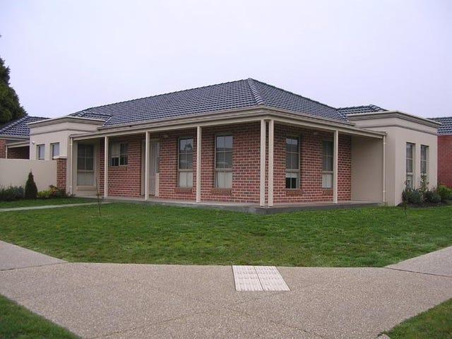 3 St Cedars Grove, Lake Gardens, Vic 3355