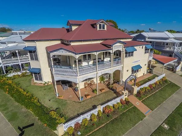 82 Park Parade, Shorncliffe, Qld 4017