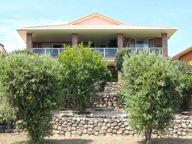 17 Ullora Road, Nelson Bay, NSW 2315