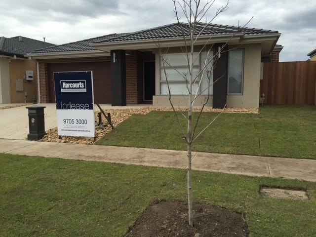 17 Riverstone Boulevard, Clyde North, Vic 3978