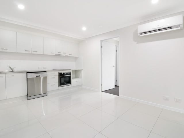 2/11 Br Ted Magee Drive, Collingwood Park, Qld 4301