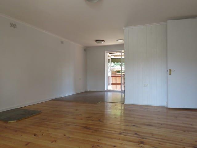 33 Wilkie Crescent, Doonside, NSW 2767