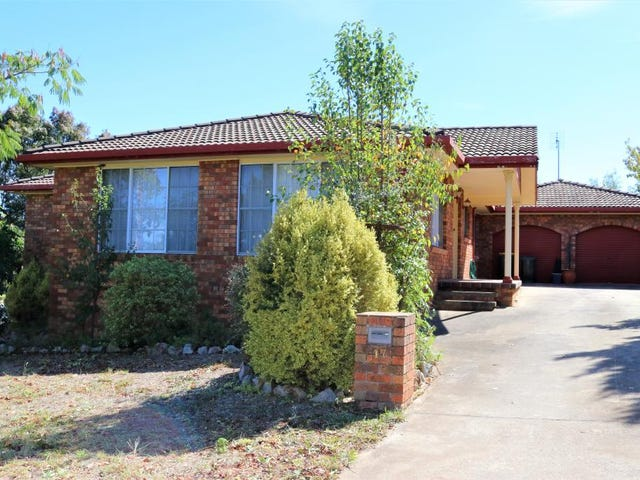 17 Keevil Drive, Young, NSW 2594