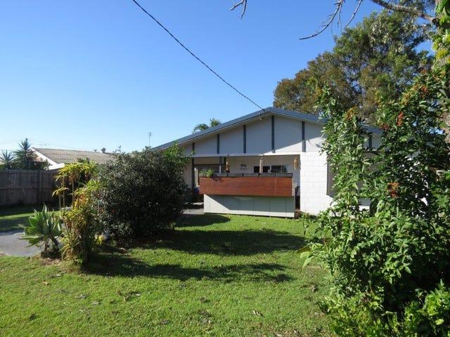 32 Nelson Street, Golden Beach, Qld 4551