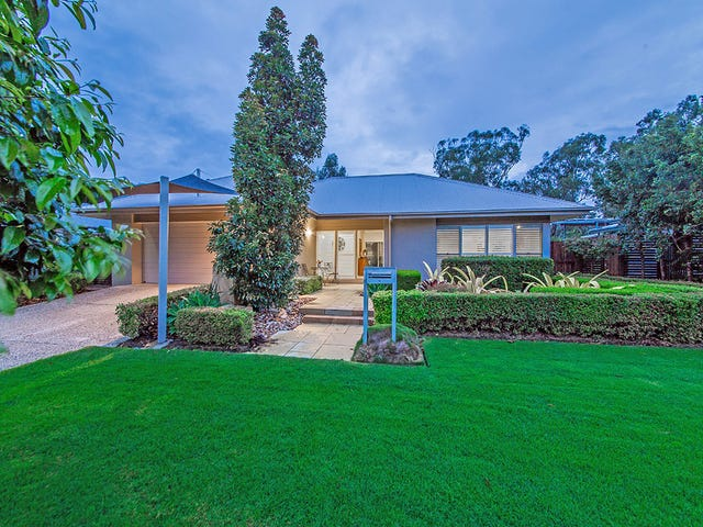 3 Thomson Place, Wakerley, Qld 4154