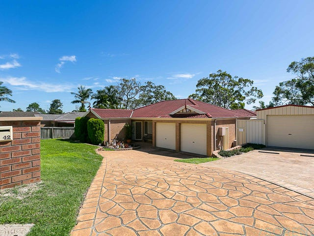 42 Rosella Circuit, Blue Haven, NSW 2262