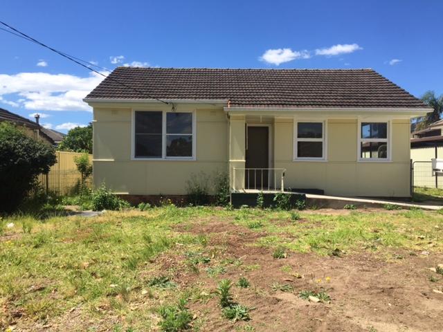18 POMONA AVENUE, Greenacre, NSW 2190