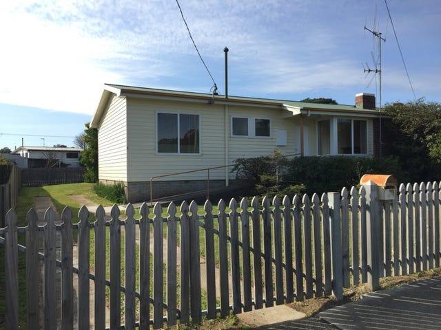 4 Lewis Street, Somerset, Tas 7322