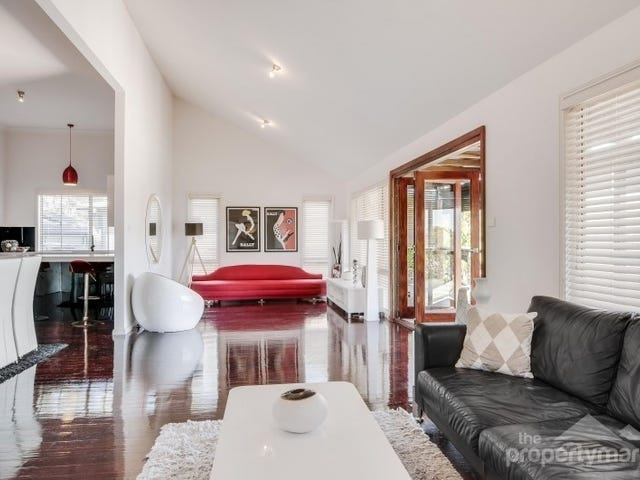 16 Irwin Place, Green Point, NSW 2251