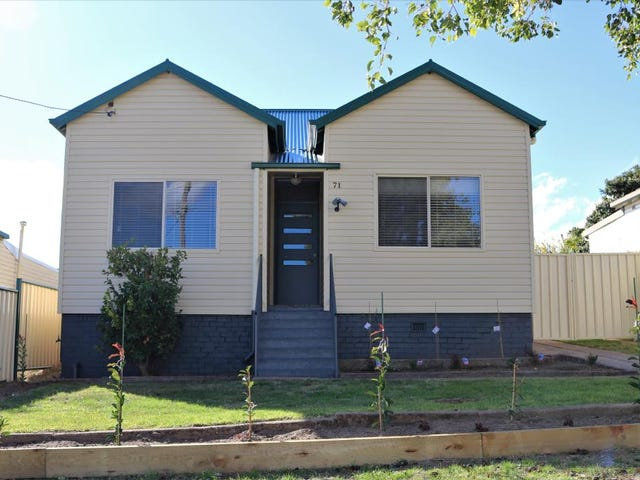 17 Brock Street, Young, NSW 2594