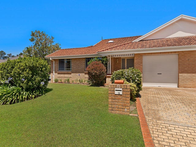 12 Castlereagh Crescent, Bateau Bay, NSW 2261
