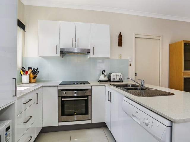 2/10 Harry St, Zillmere, Qld 4034