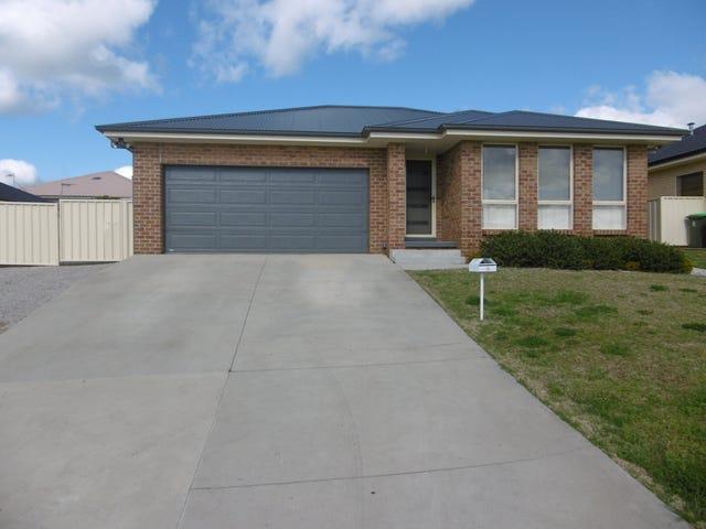 9 Bert Whiteley Place, Orange, NSW 2800