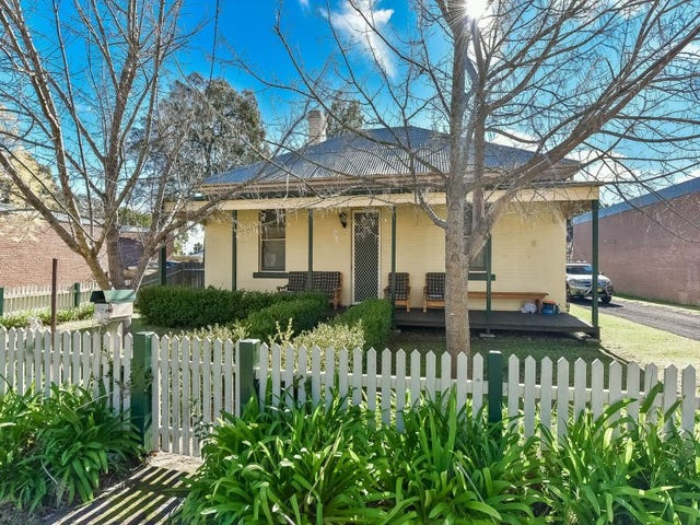 27 Oaks Street, Thirlmere, NSW 2572