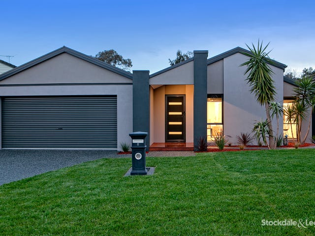 8 Peter Court, Langwarrin, Vic 3910