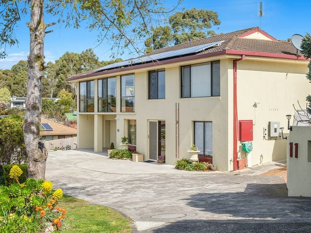 11 Pearl Place, Blackmans Bay, Tas 7052
