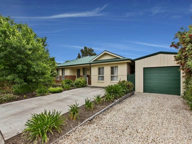 16 Peace St, Kangaroo Flat, Vic 3555
