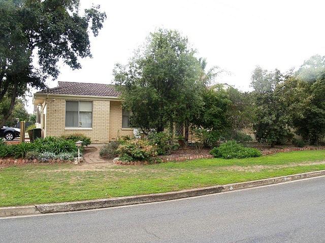 3 Suffolk Drive, Morphett Vale, SA 5162