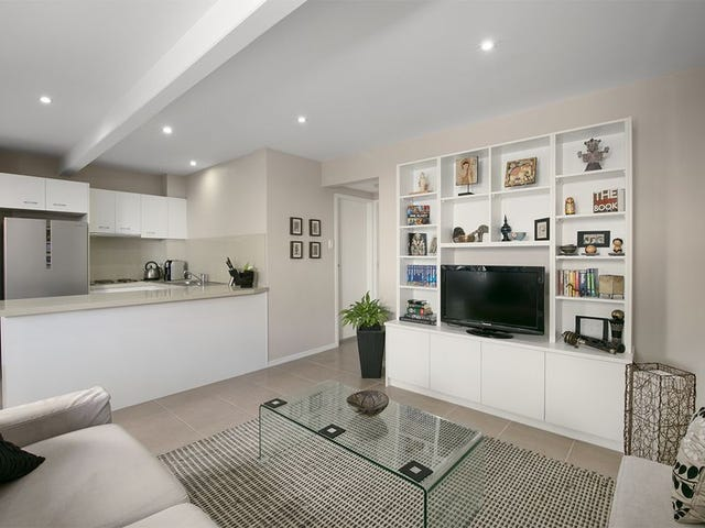 4/5 Curwen Terrace, Chermside, Qld 4032