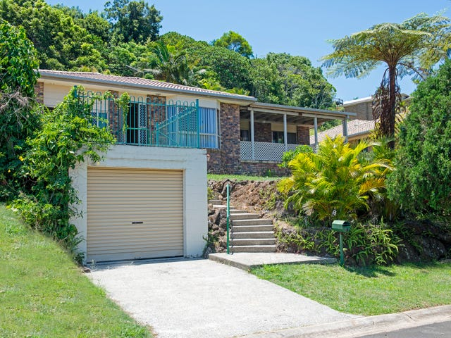 67 Bimbadeen Ave, Banora Point, NSW 2486