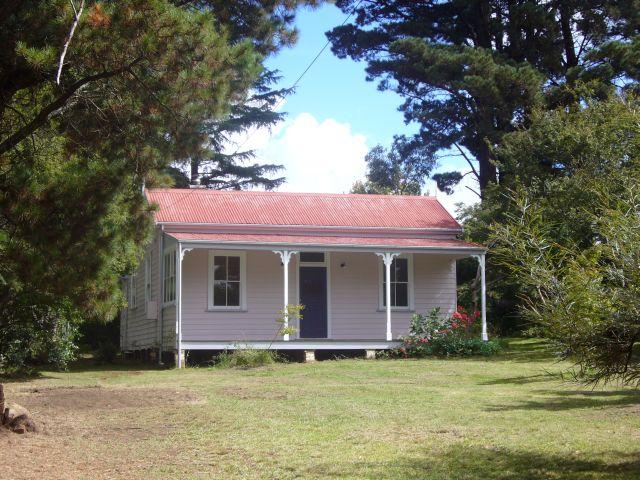 13 Fitzgerald St, Wentworth Falls, NSW 2782