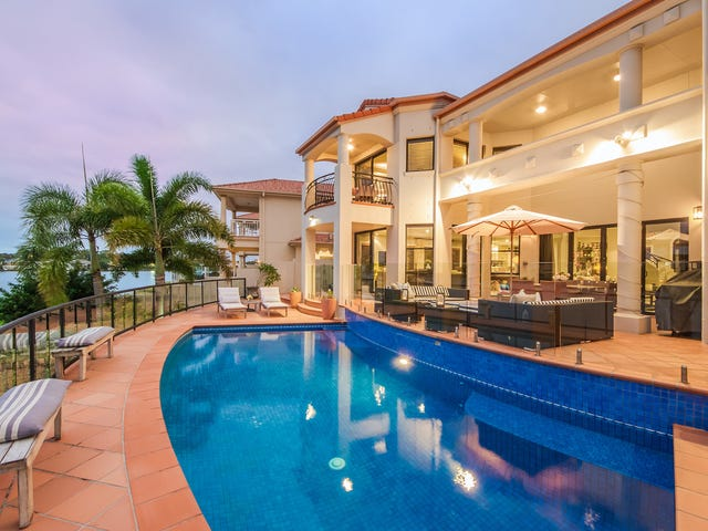 10 Clear Water Bay Avenue, Clear Island Waters, Qld 4226