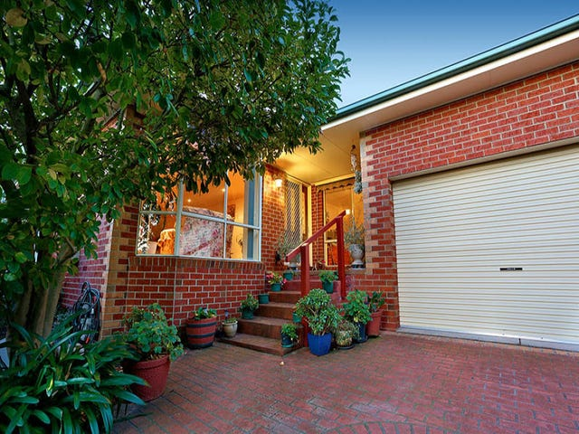 2/3 Wes Crescent, Ferntree Gully, Vic 3156