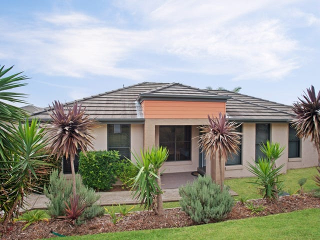 2/32 Robert Street, Tenambit, NSW 2323
