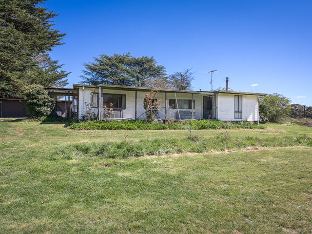 8 Spencer Road, Woodend, Vic 3442