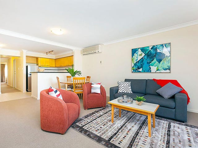 32/122 Mounts Bay Road, Perth, WA 6000