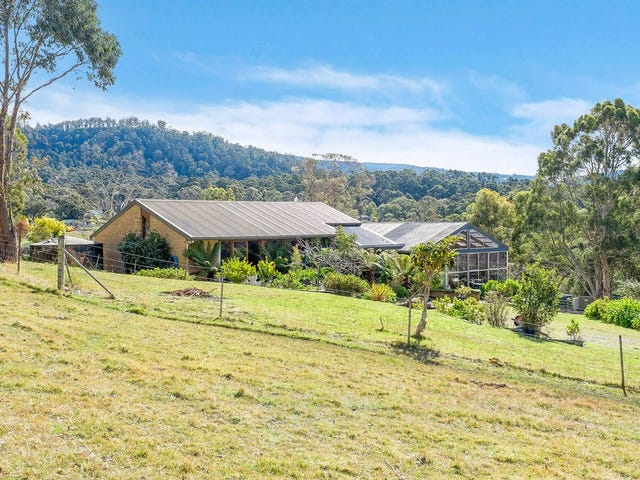 83 Saddle Road, Kettering, Tas 7155