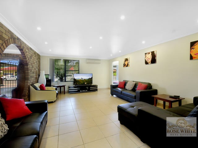 42 Reynolds Street, Toongabbie, NSW 2146