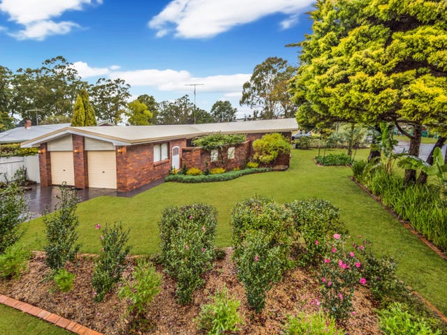 30 Lotus Crescent, Centenary Heights, Qld 4350