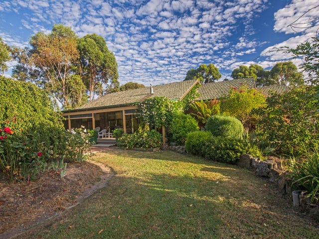 10 Cuthbert Street, Corinella, Vic 3984