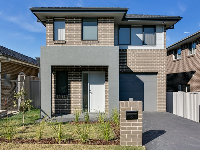 5 Albermarle Street, Glenfield, NSW 2167