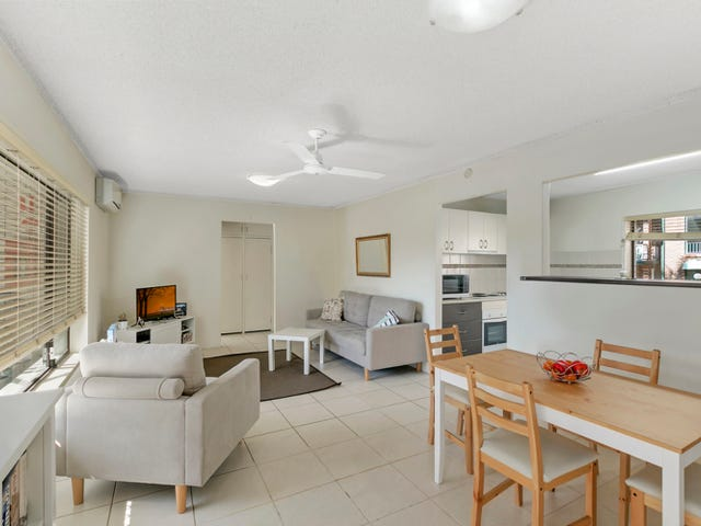 3/214 Scarborough Street, Southport, Qld 4215