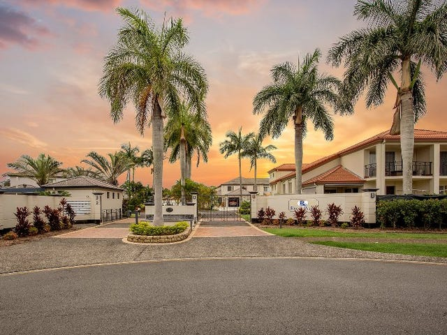 Villa 4/2 Bronberg Court, Southport, Qld 4215