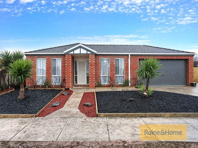 10 Christina Crescent, Kurunjang, Vic 3337