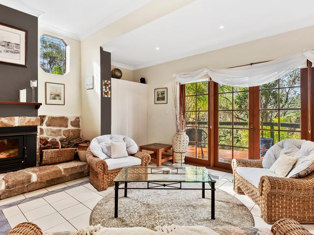 15 Bundanoon Place, Hornsby Heights, NSW 2077