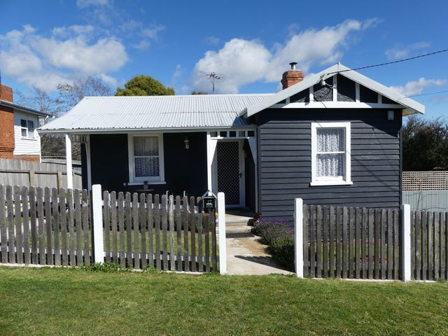 17 East Church St, Deloraine, Tas 7304
